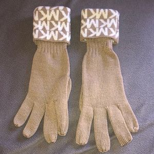 Michael Kors tan gloves